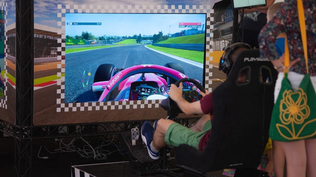 What is Extreme Car Driving Simulator? – About, Features, and More